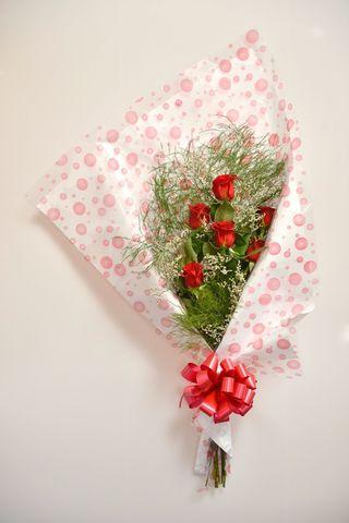 Ramo ternura: 6 rosas