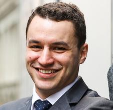 Daniel Hernandez, Experto en Análisis de Inteligencia