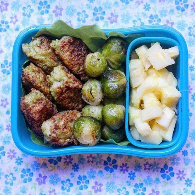 Croqueta de brócoli + Repollitos de Bruselas y ananá #Monviandas