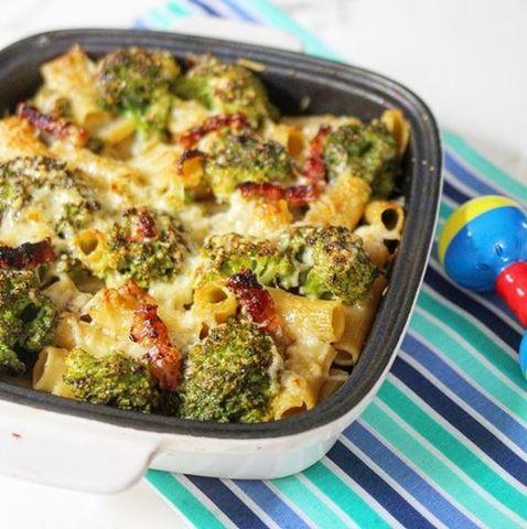 Penne Rigate Gratinado con brócoli y panceta