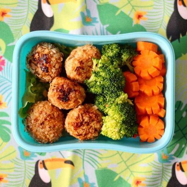 Albondiguitas de pollo + brócoli + zanahoria #Monviandas