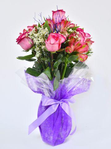 Dulzura: 6 Rosas y 6 Alstroemerias