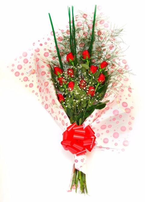 Ramo pasión: 12 rosas importadas