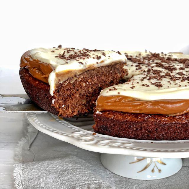 Marquise de chocolate, coco y dulce de leche